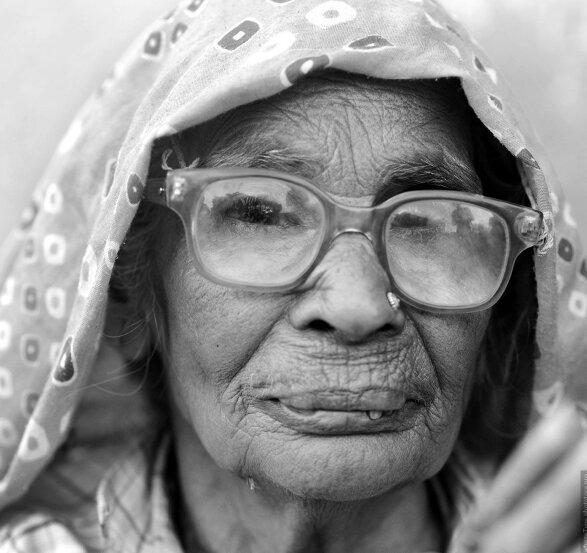 60 Jahre ohne Nahrung: Wie eine 75-jährige Frau von Wasser und Tee lebt