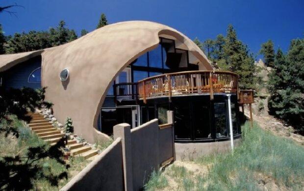 Ungewöhnliches Haus. Quelle:Screenshot YouTube