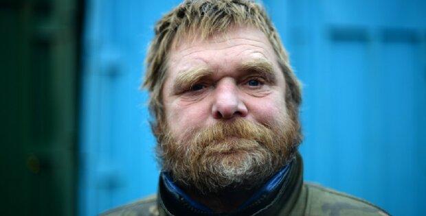 """Ein """"Millionen-Dollar-Hobo"""": Ein talentierter Friseur veränderte das Leben eines Obdachlosen mit einem Haarschnitt"""