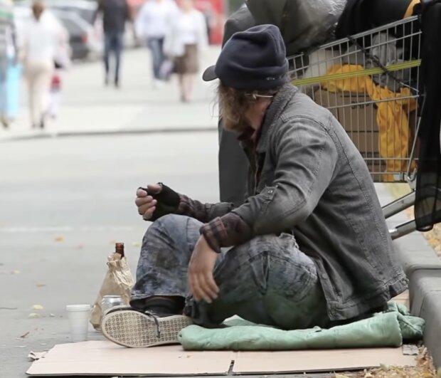 Obdachloser Mann. Quelle:Screenshot YouTube
