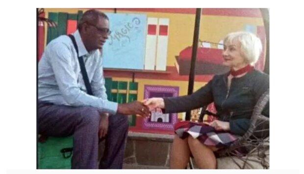Eine 72-jährige Rentnerin heiratete einen 52-jährigen afrikanischen Mann. Was ist heute mit Frau los