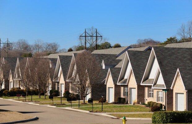 Der Baumeister musste lügen, um einer alten Dame zu helfen, die auf kostenlose Dachreparaturen verzichtete