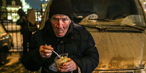 11 Jahre später: Am ersten Weihnachtstag fand ein Sohn seinen Vater inmitten von Obdachlosen