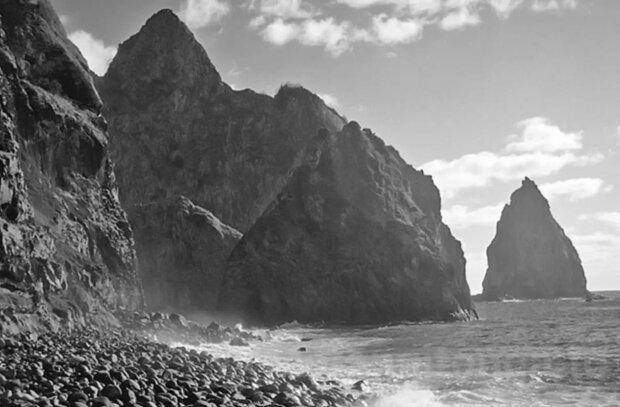 Wie kamen die Jungen auf eine einsame Insel und blieben dort 15 Monate lang