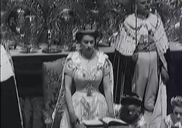 Die Königin. Quelle: Screenshot YouTube