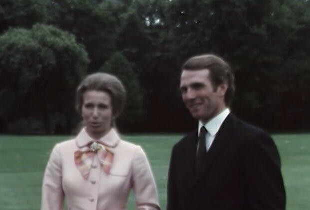 Prinzessin Anne und Kapitän Mark Phillips. Quelle: Screenshot Youtube