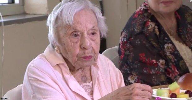 """""""Ich war noch nie verheiratet"""": 107-jährige Frau verrät das Geheimnis ihrer Langlebigkeit"""
