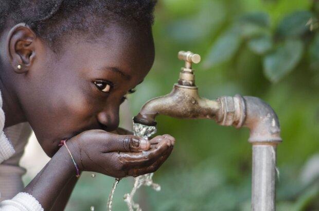 Warum Frauen die Hauptwasserförderinnen in Afrika sind