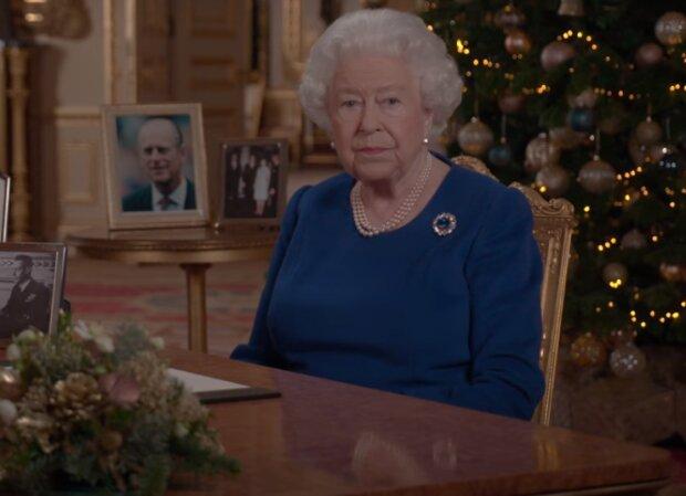 Seltene Fotos von Elizabeth II., die nur für Mitglieder der königlichen Familie zugänglich waren, werden veröffentlicht