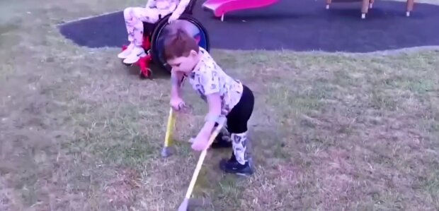 """""""Wohltätigkeit auf Prothesen"""": 5-jähriger Junge sammelt 1,2 Millionen Dollar"""