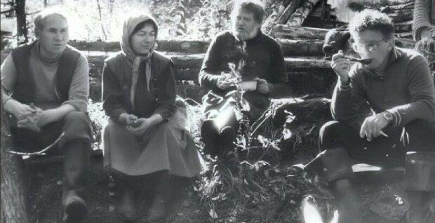 Wie eine geflohene Familie es schaffte, mehr als 40 Jahre im tiefen Wald zu überleben