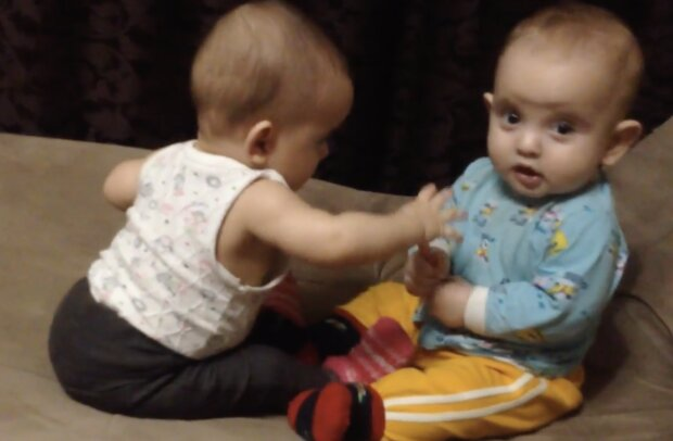 Die Zwillinge. Quelle: Screenshot YouTube