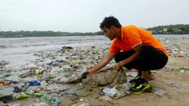 """""""Earth Champion"""": wie ein Mann 5.000 Tonnen Müll vom Strand entfernt hat"""